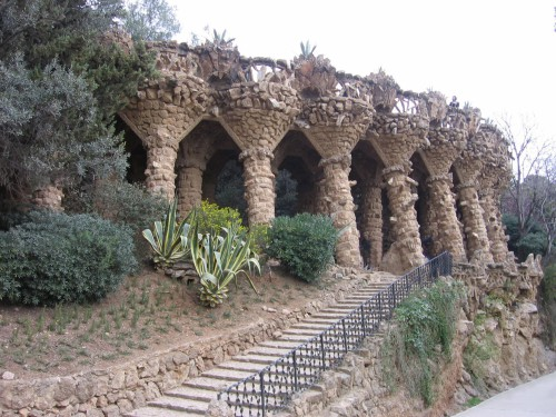 park_guell_-_viaducto.jpg